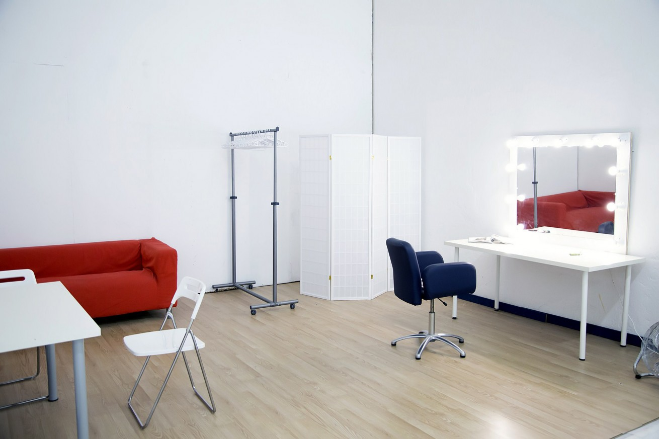 Zona de peluquería, maquillaje en Daydream Madrid
